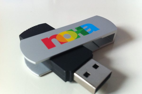 7 Colour Logo USB